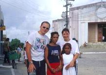 Loris e Cecilia con giovani di Joaquim Gomes