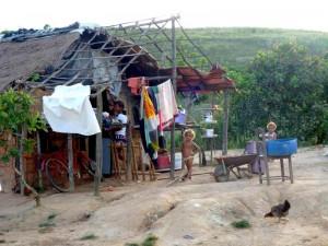 capanna di paglia e fango in Brasile