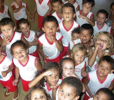 Una classe di bambini brasiliani